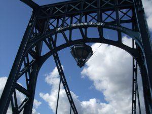 Das Wahrzeichen der Stadt Wilhelmshaven : Die Kaiser-Wilhelm-Brücke
