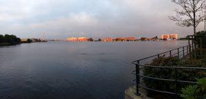 Blick über den Großen Hafen in der Abenddämmerung